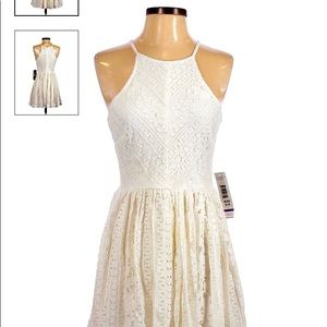 Jump w tags attached creamy off white lace dress